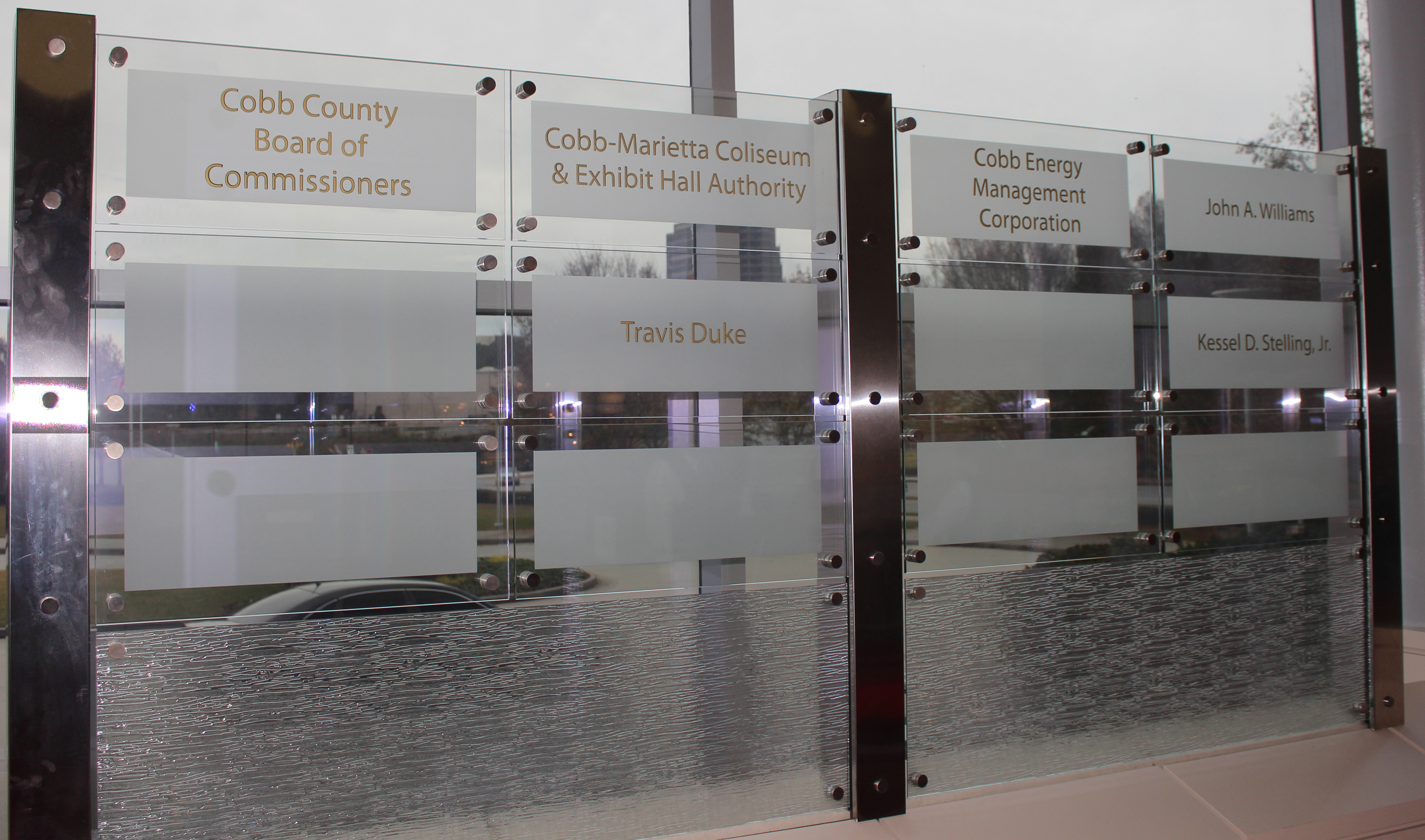 GlassGraphics_DonorRecognitionWalls08