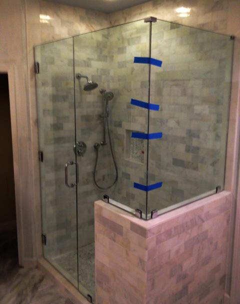 GlassGraphics_ShowerDoorBathroomGlass11